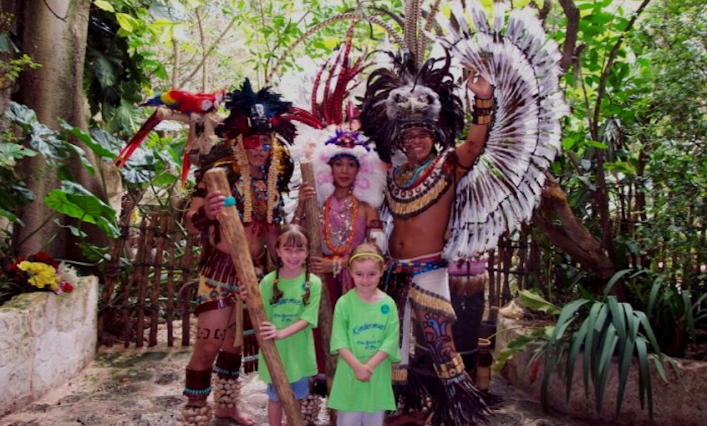 Kindermusik students in the Rain Forest Camp visit the Dallas World Aquarium